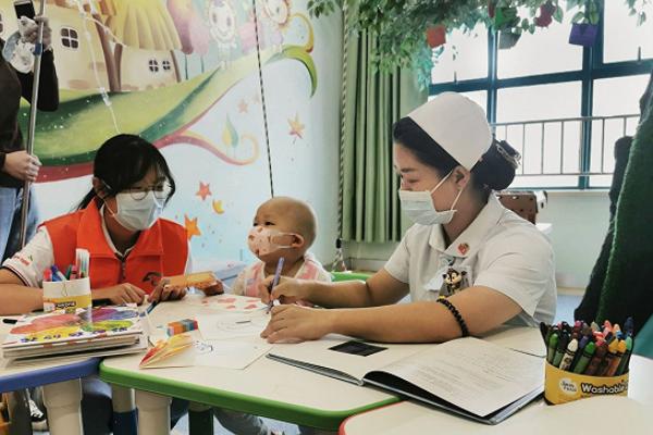 青春正当时,志愿精神永传递―关爱武汉儿童医院白血病患儿活动