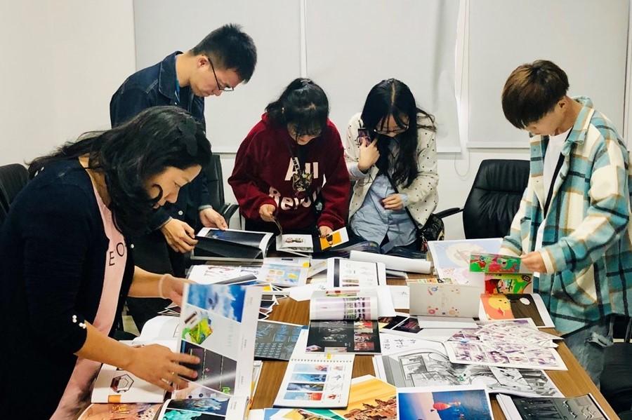 艺术与设计学院2016级本科生作品集设计大赛顺利开展