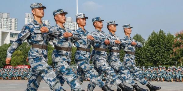 军训日志|重磅!国庆阅兵的脚步踢到了武汉理工大学!