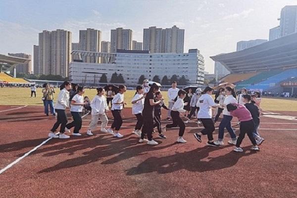 管院学子在校趣味运动会上取得佳绩