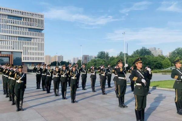 【长江日报】国旗护卫队,武大华科大比拼!这次还多了6所武汉高校